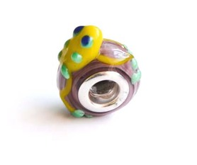 Modular bead in the shape of a Frog.