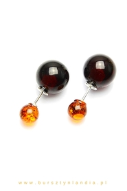 Two-sided earrings with baltic amber